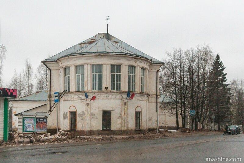 Перестроенный в советское время собор Воскресения Христова, Вытегра