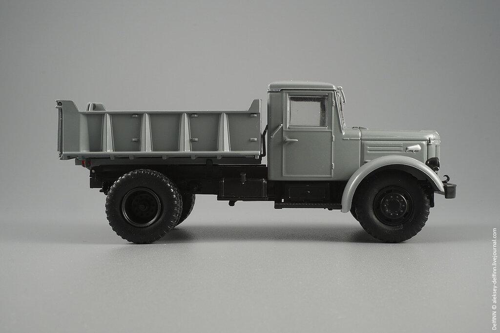 МАЗ-205-04.jpg