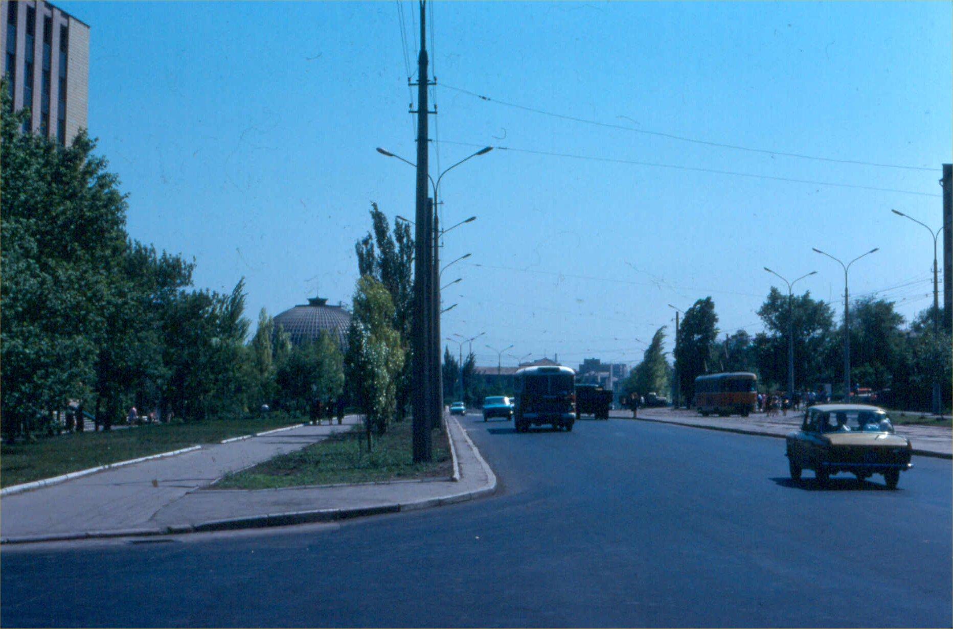 17. Улица Челюскинцев