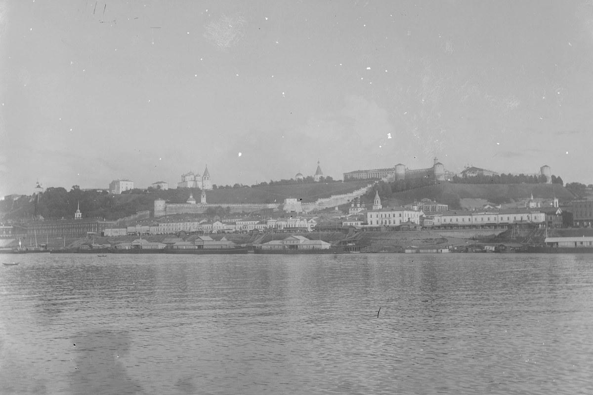 Вид на город и Нижневолжскую набережную