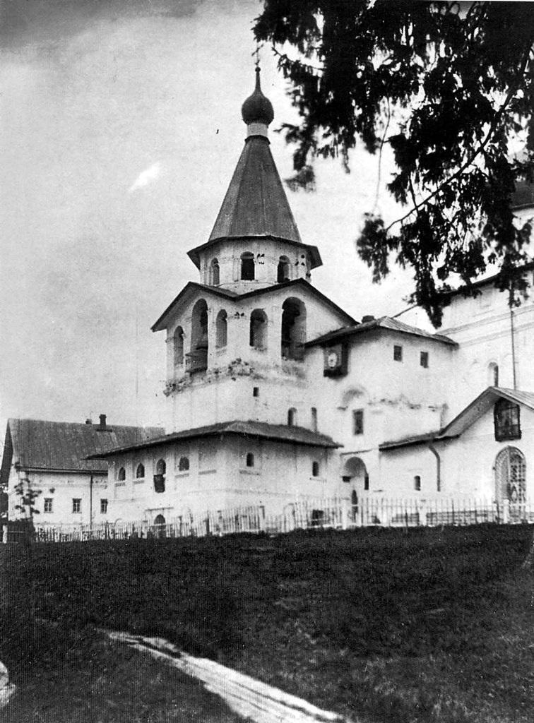 Храм-колокольня. Вид с юго-западной стороны