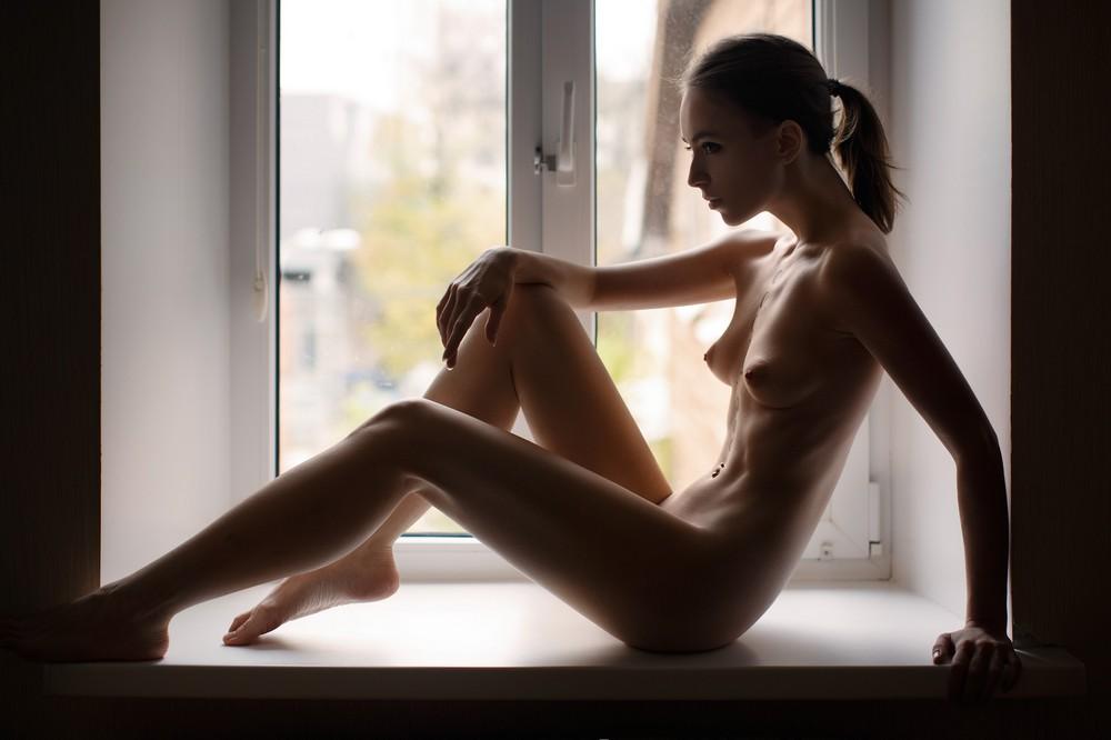 Обнаженные девушки на снимках Антона Демина