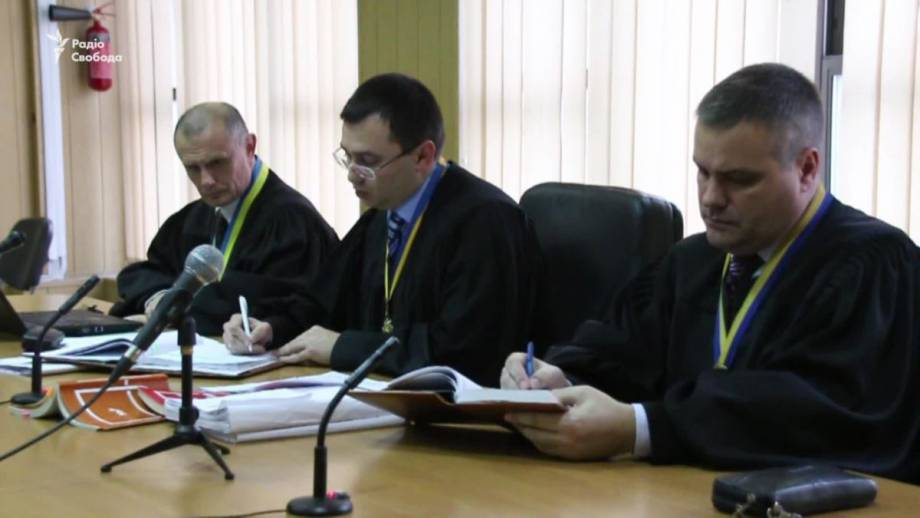 Директор одесского детского лагеря, где в пожаре погибли трое детей, остается в больнице