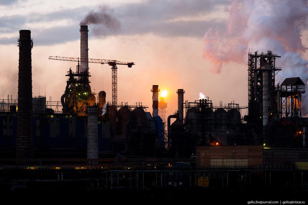 3. Полный цикл производства металла начинается с добычи руды. Одним из источников сырья для ММК явля