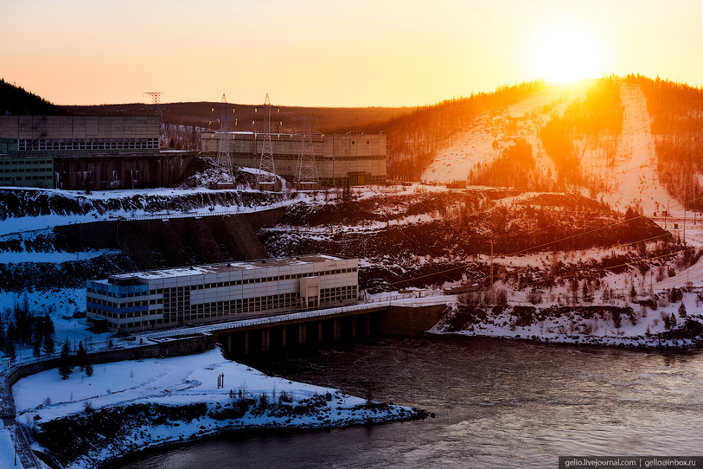 6. Станции на реке Вилюй строили в крайне сложных природно-геологических условиях. Они стали первыми