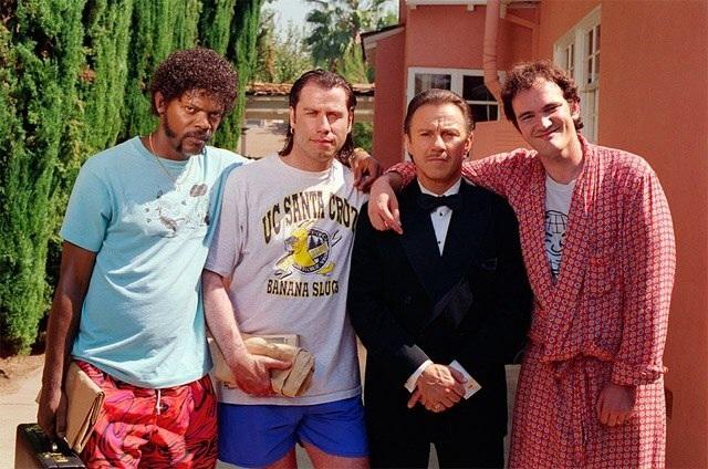 Во время съемок кинофильма режиссёра Квентина Тарантино «Криминальное чтиво».   Члены ко