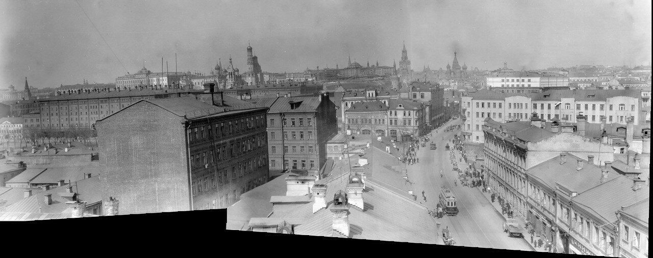 Виды на Кремль с колокольни церкви Иоанна Предтечи на Пятницкой улицы. 1931 год.