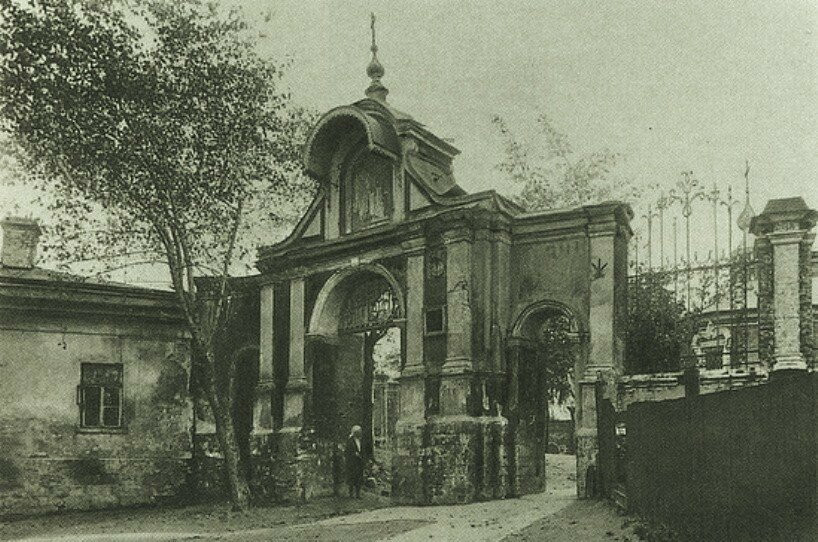11789 Ворота церкви Великомученика Никиты 20-е.jpg