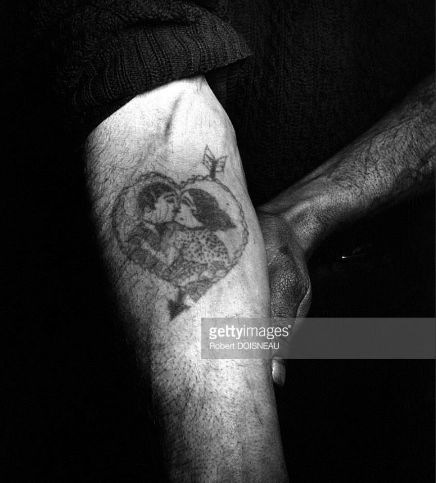1947. Сентиментальная татуировка на руке