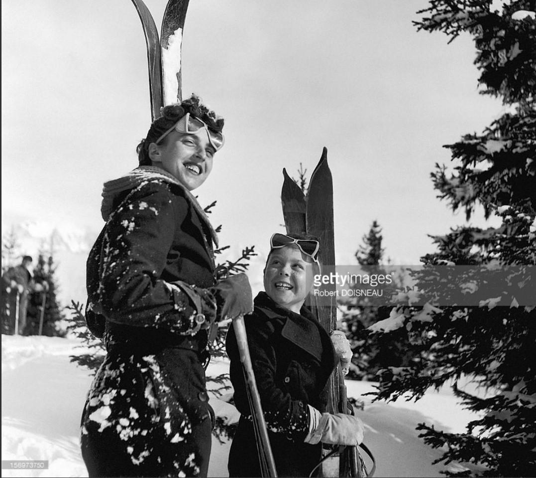 1936. Два счастливых лыжника в Межеве