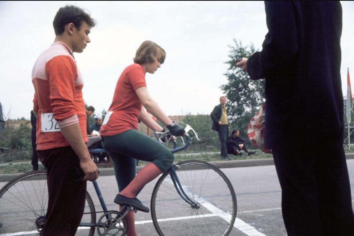 Велосипедист на старте