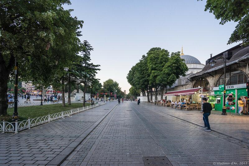 Султанахмет. Площадь Ипподром.