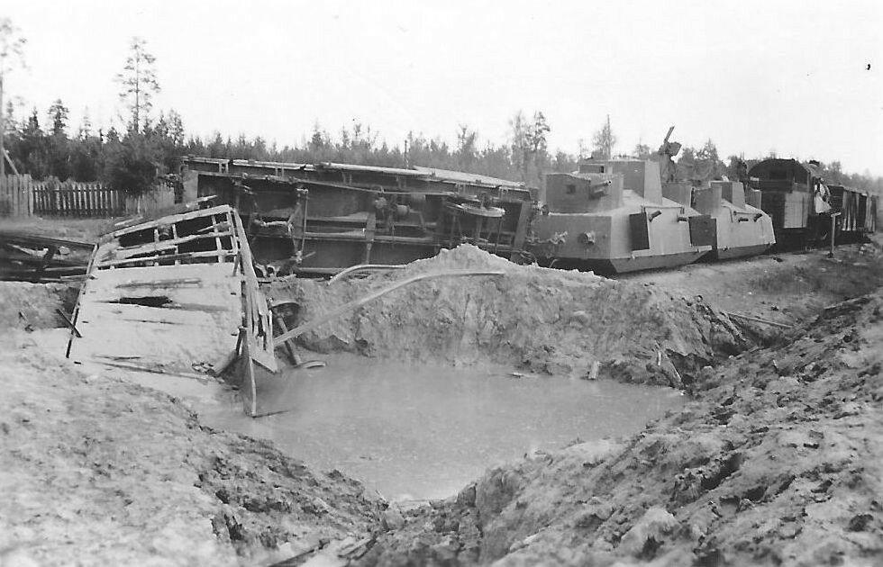 Подбитый бронепоезд 73-го полка НКВД. Июль 1941 года.