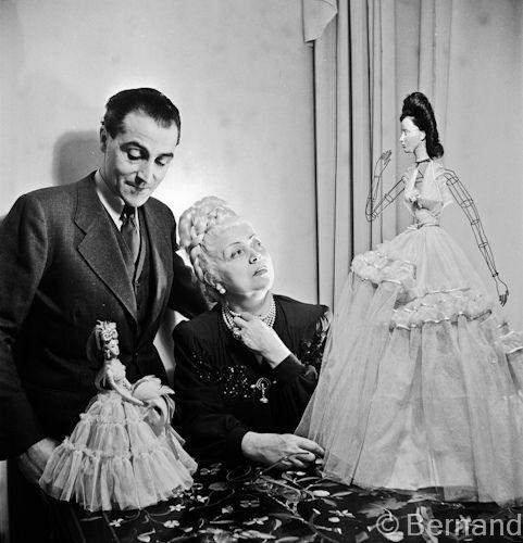 Nina and Robert Ricci, Exibition Le Theatre de la mode Paris 1945.jpg