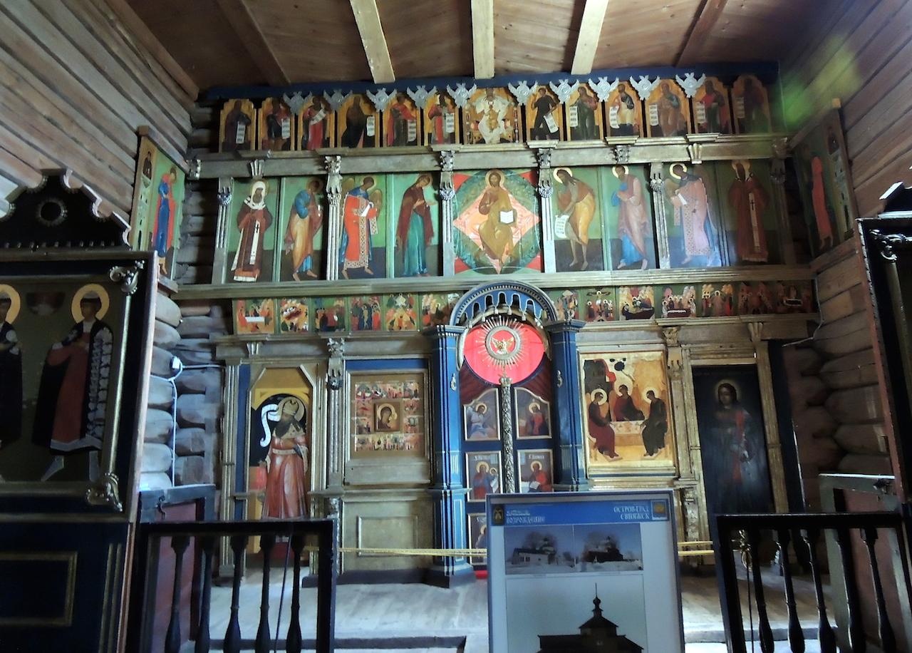 Свияжск Иоанно-Предтеченский монастырь Троицкая церковь - внутри 30 июня 2014 г., 14-27.JPG