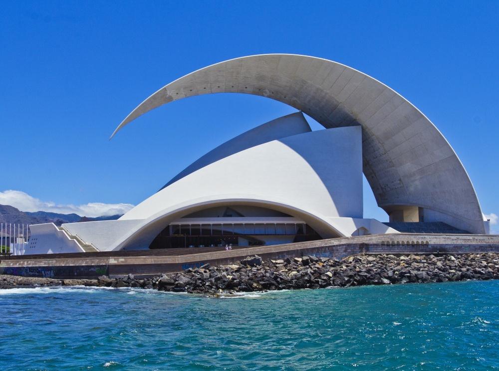 © architecturaldigest.com   Музей Гуггенхайма, Бильбао