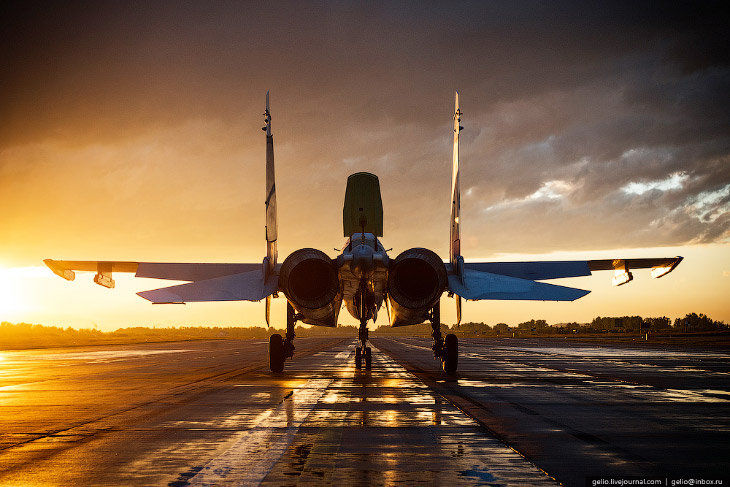 2. Истребитель предназначен для управления групповыми боевыми действиями истребителей при решении за