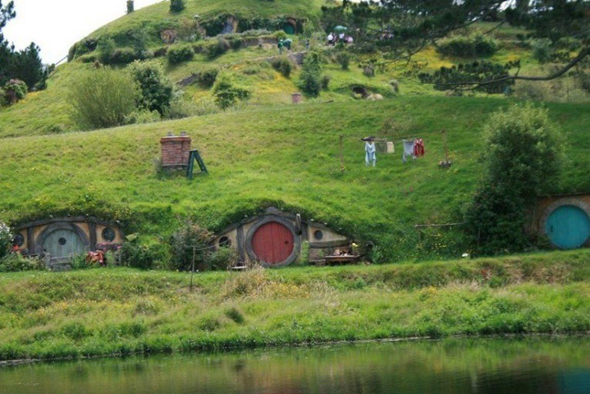 Ни один поклонник фильма «Властелин колец» не может не отправиться на экскурсию в Матамата, где можн
