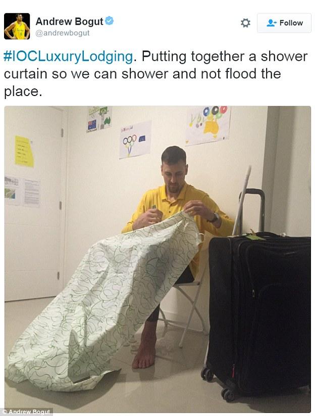 Австралийский баскетболист Эндрю Богут жалуется, что пришлось самостоятельно приделывать занавеску в