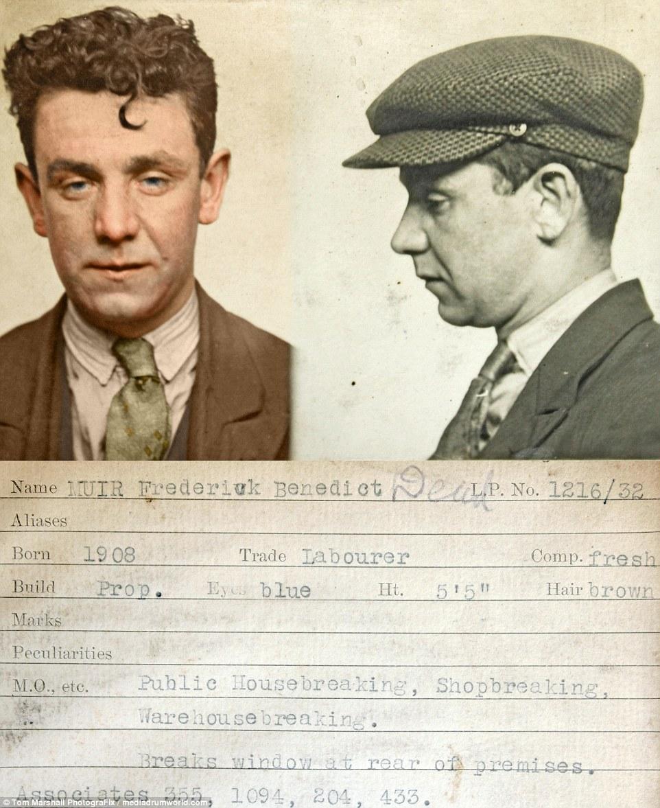 «Каменное лицо»: Бенедикт Фредерик Мьюр, рабочий с русыми волосами, родившийся в 1908 году, взламыва