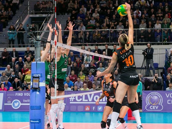 «Уралочка» уступила «Эджзаджибаши» вматче женской волейбольной Лиги чемпионов