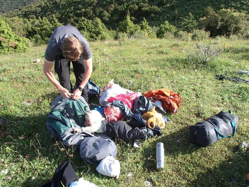 сборы рюкзака в пешем походе с ребенком