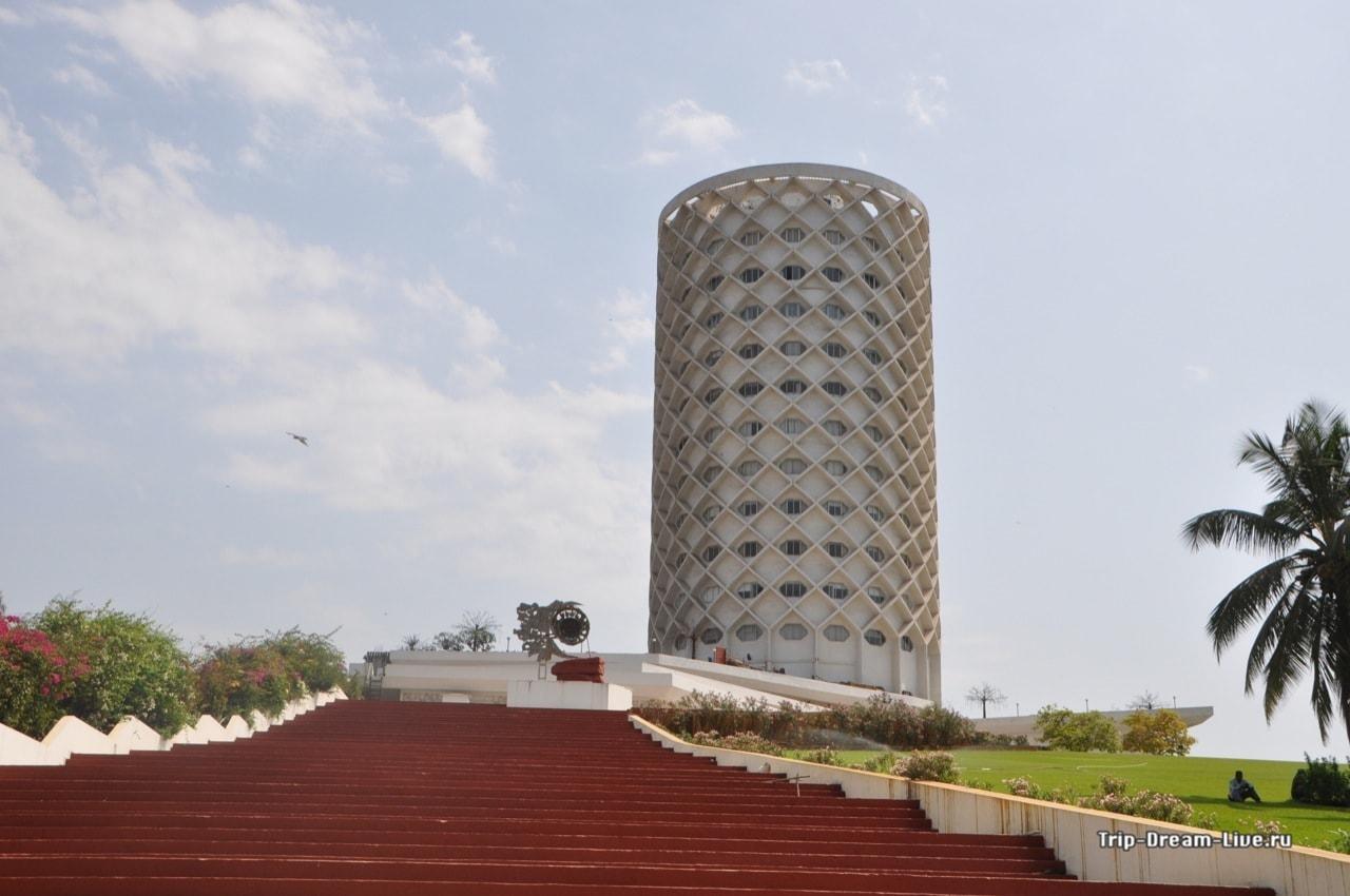 Культурный комплекс Центр Неру снаружи