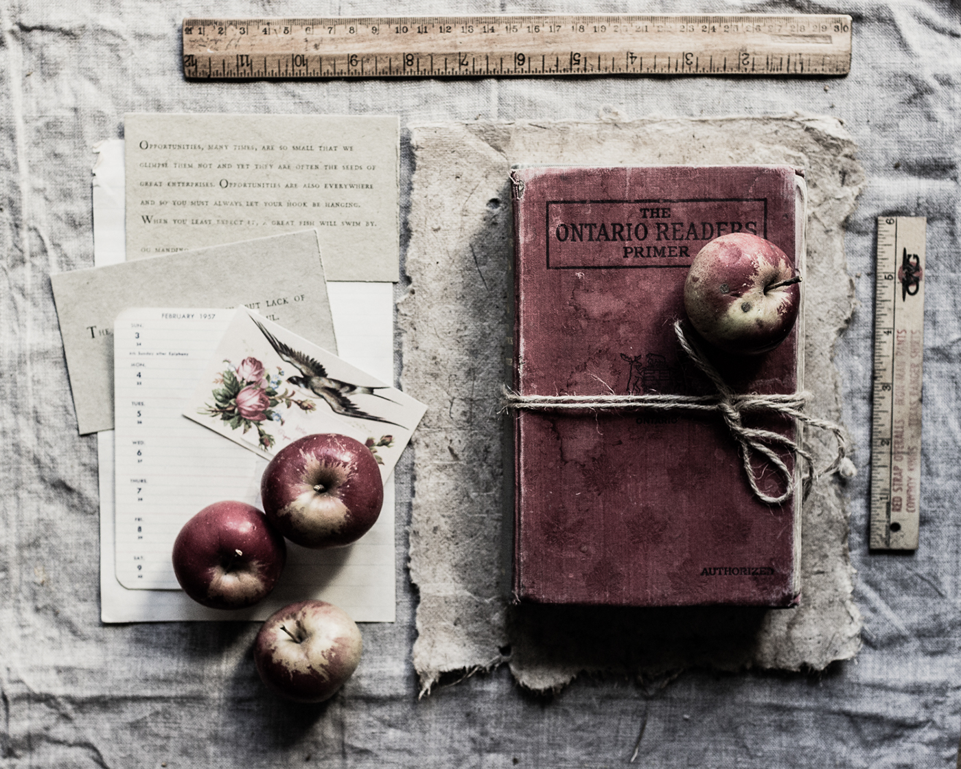 Still Life-On the desk / фотограф Kathy Pardell