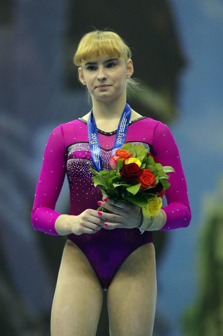 Анастасия Гришина, 21 год   Анастасия попала в большой спорт, когда ей было все