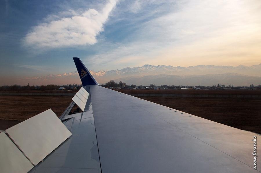 Boeing-767_Air_Astana11.JPG
