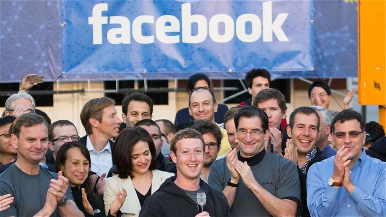 Facebook прогнулся под Роскомнадзор.jpg