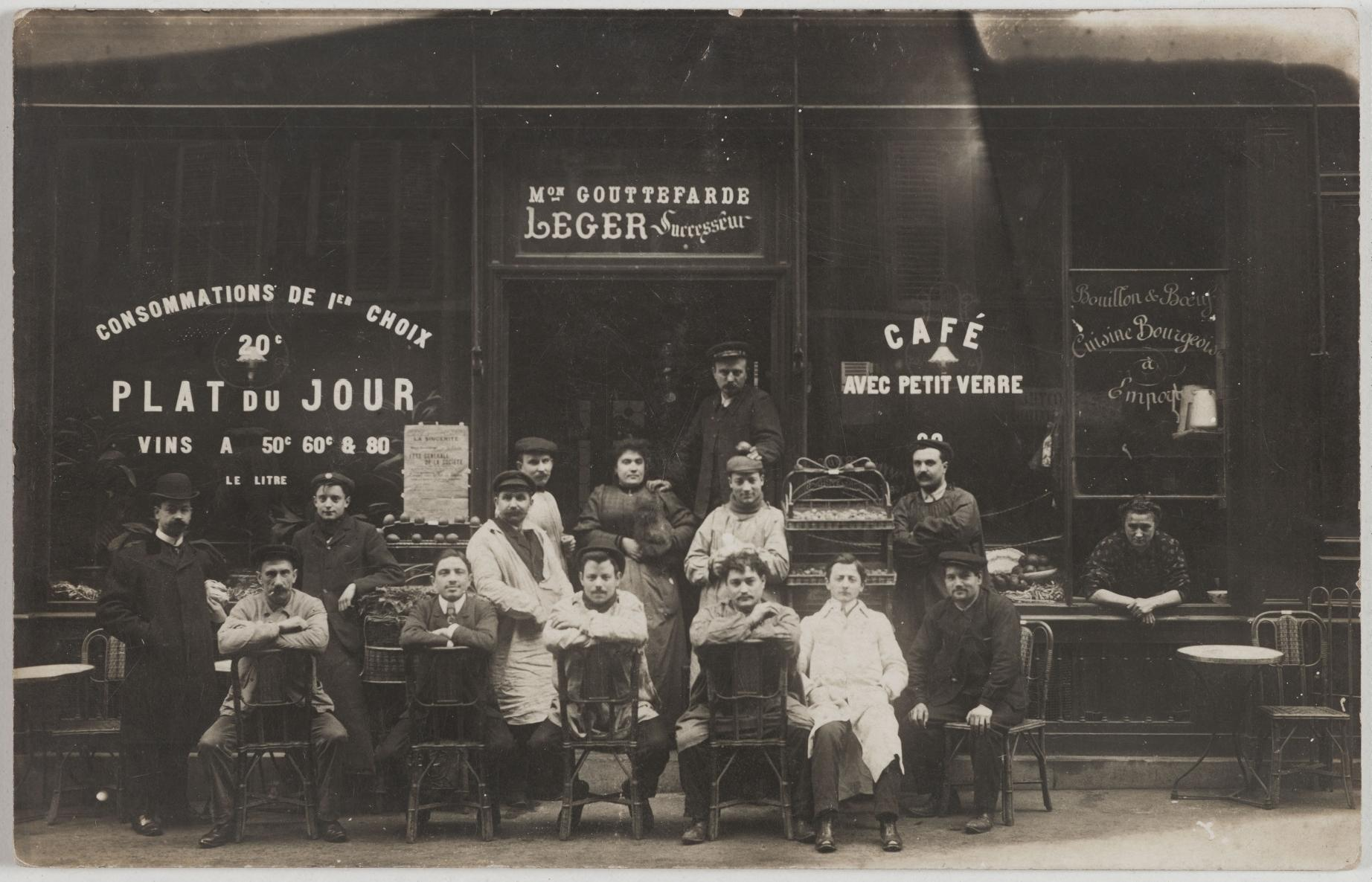 1907. Кафе, бульон и говядина.  29, rue de la Fontaine-au-Roi (11-й округ). Сейчас на этом месте мастерская по изготовлению и замене обивки