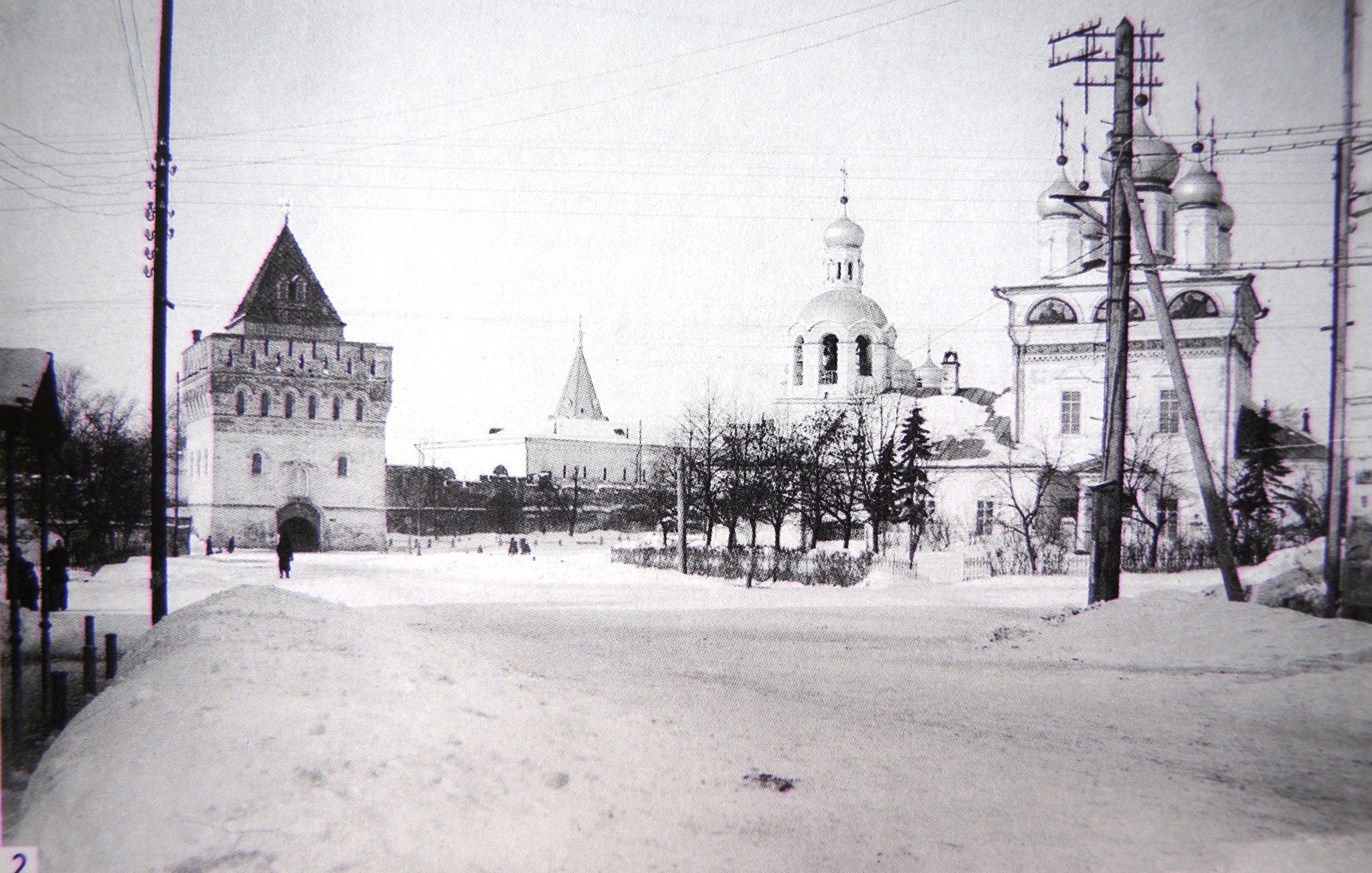 Вид на Дмитриевскую башню