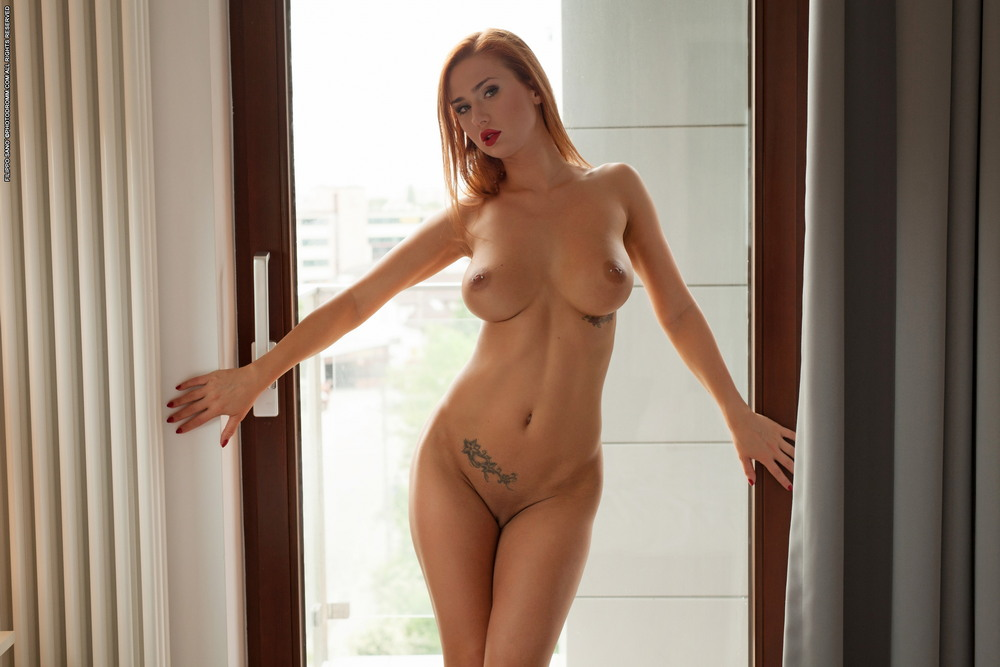 Justyna в спальне