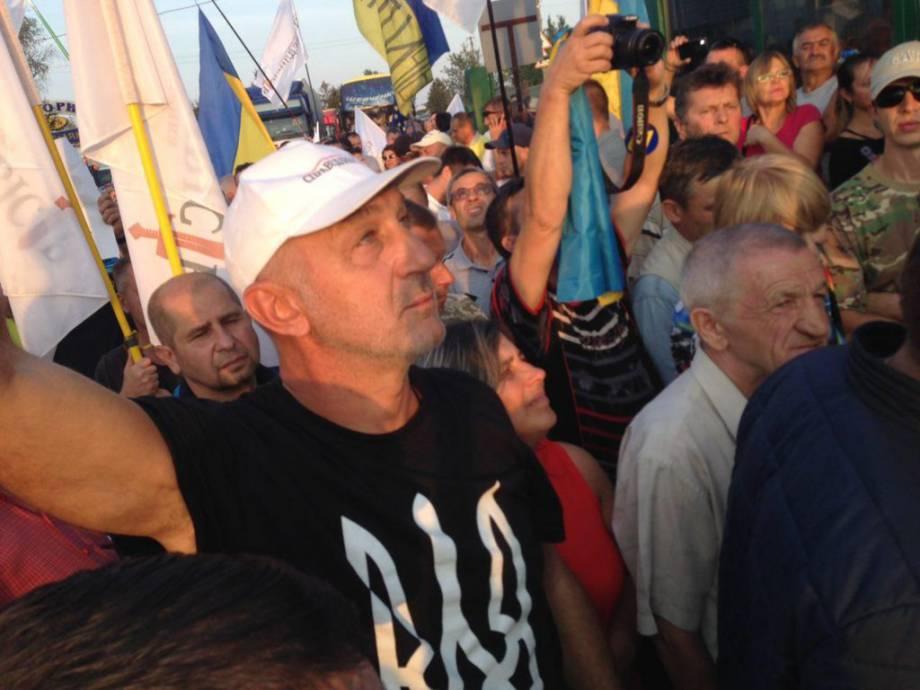 На Шегини активисты требуют пропустить Саакашвили (ФОТО) — РНС