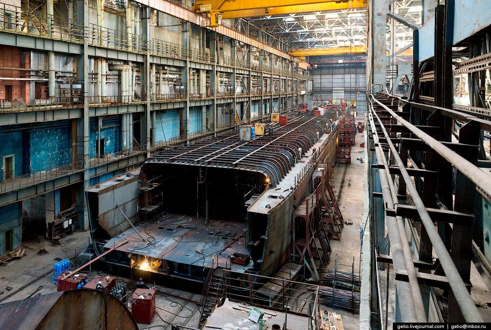 61. Мощности завода позволяют производить слипование и все виды ремонтных работ различных судов до 6