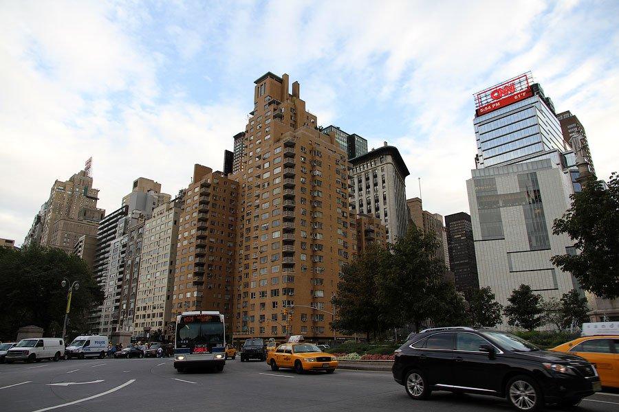 Типичная нью-йоркская перспектива.  5 Авеню: