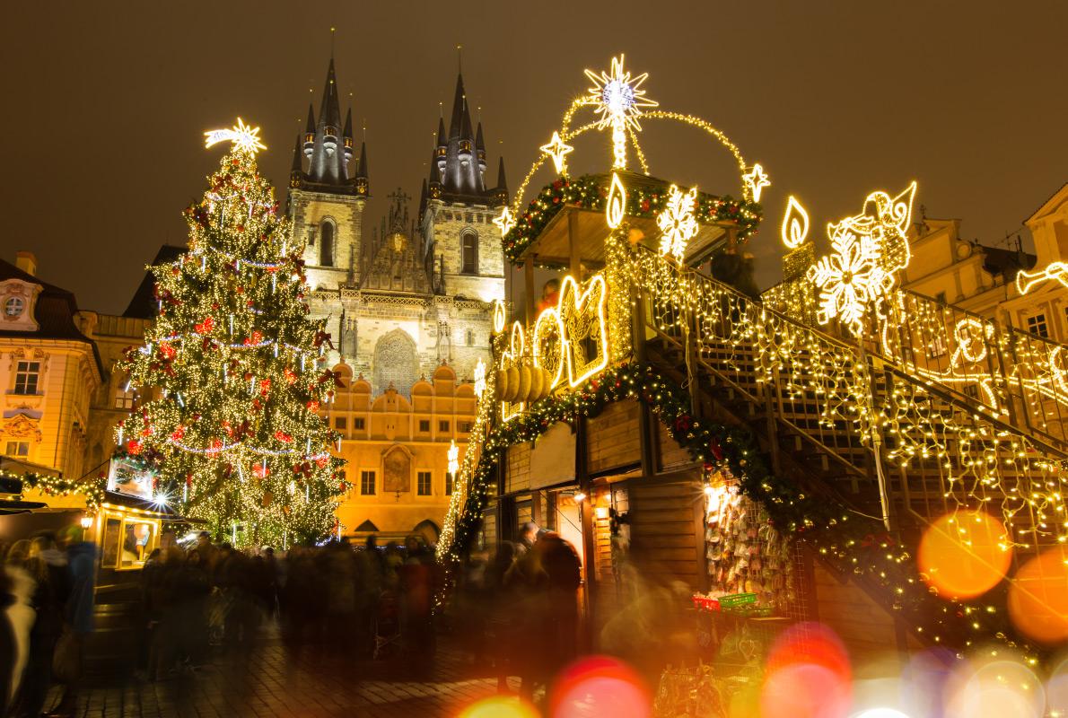 Прага перед Рождеством — территория праздника и романтики: концерты под открытым небом, рождественск