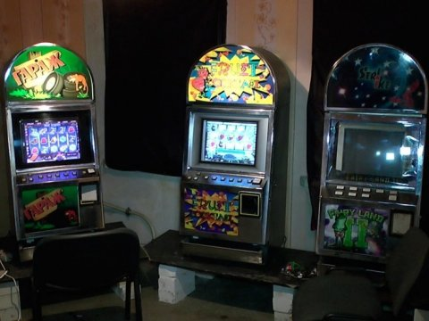 Игровые автоматы в заводском районе по на игровые автоматы