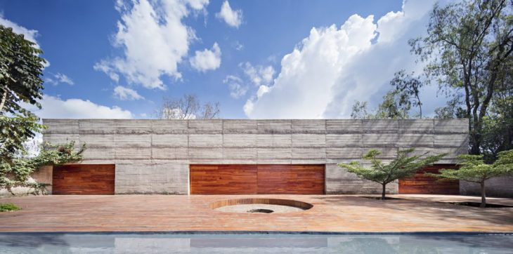 Alberto Morell Sixto  designed this stunning minimalist concrete residence located i