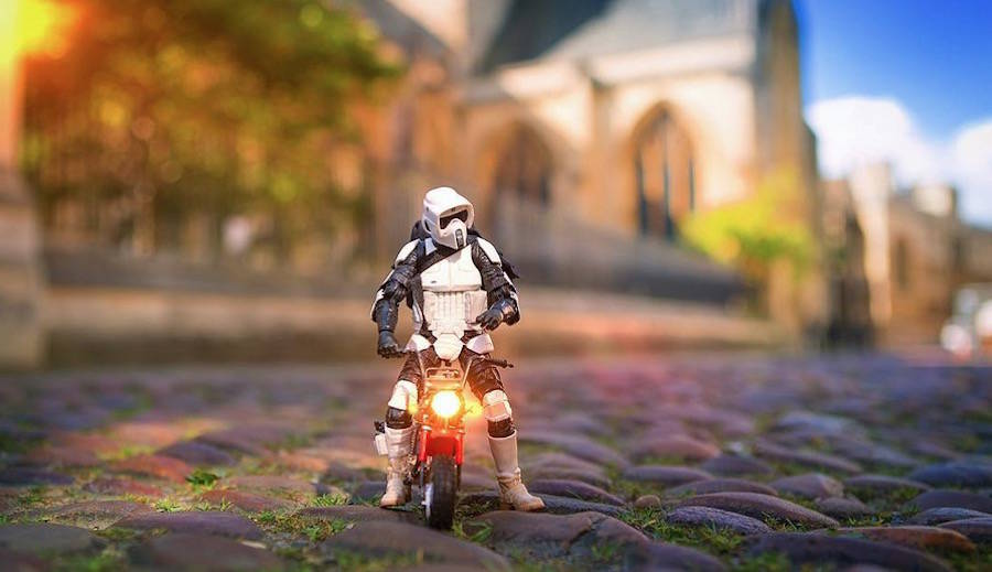 The Civilian Life of a Star Wars Stormtrooper (10 pics)