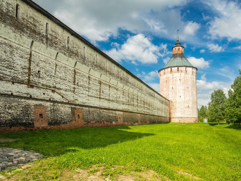 Восточная стена монастыря, Московская башня.