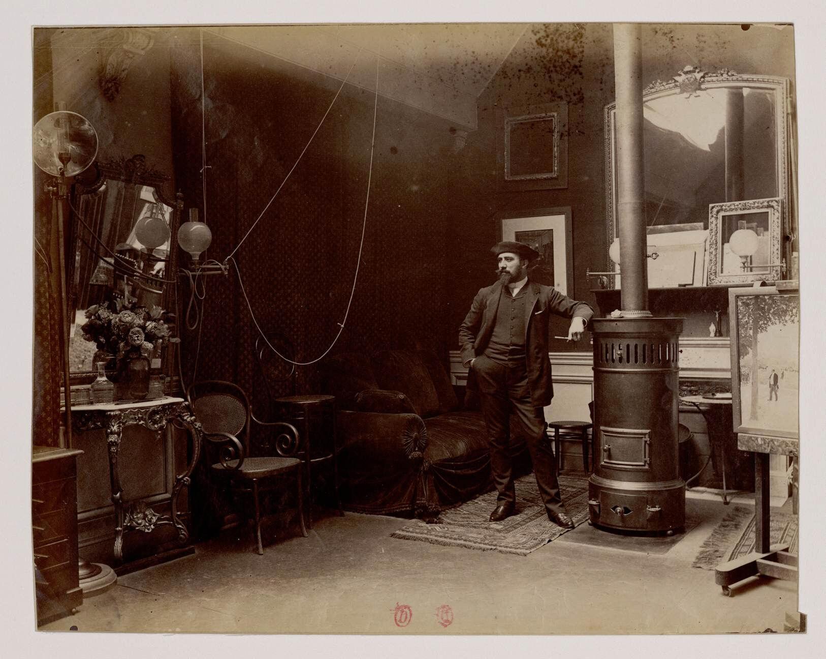 16. Жан Беро (1849-1935)  — французский салонный живописец, приобретший известность многочисленными жанровыми работами, изображавшими жизнь Парижа и парижского светского общества