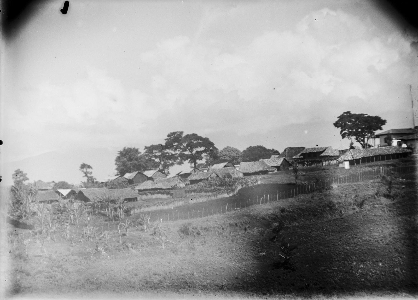 128. Вид с холма на деревню Моши