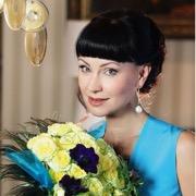актриса с цветами