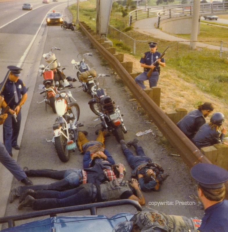 Полицаи. ( 70 фото ) bikerstop76-vi.jpg