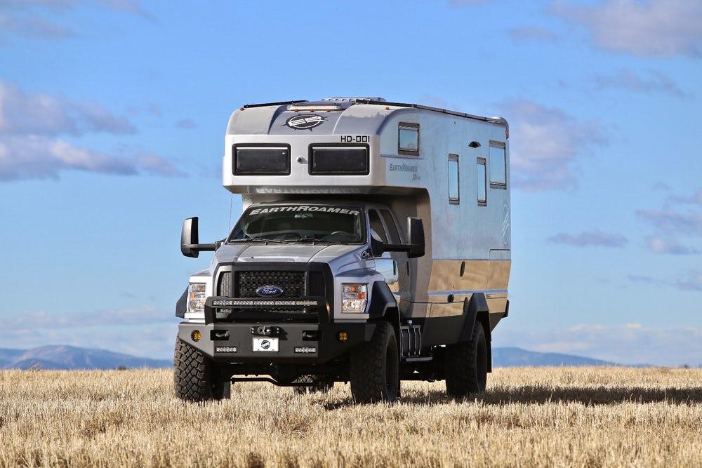 Комфортный дом на колесах на базе Ford за $1 500 000