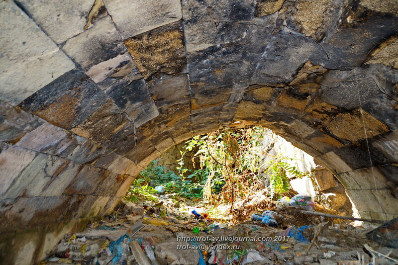 Старый, якобы генуэзский мост, Феодосия