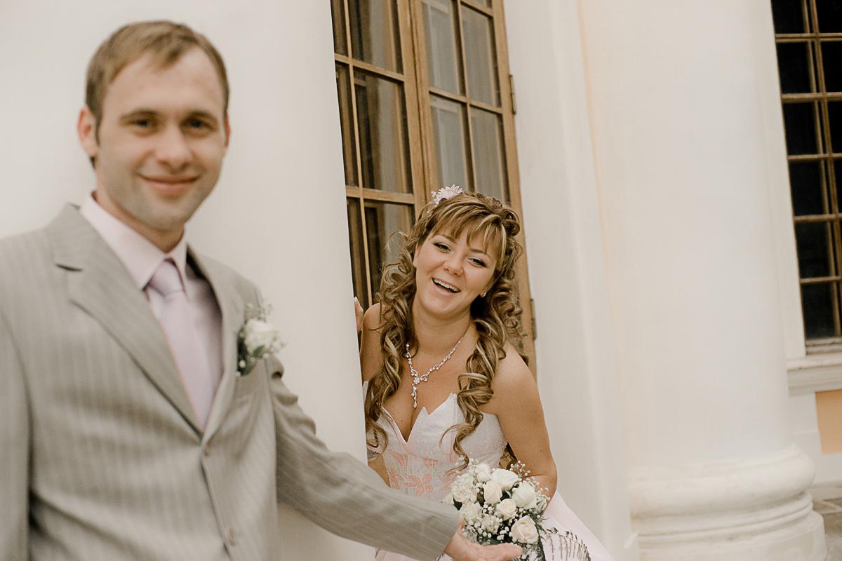 Вы можете не беспокоиться о том, что у фотографа один фотоаппарат и если он выйдет из строя, то вся фотосъемка свадьбы  будет провалена. В нашем случае есть второй фотоаппарат, который всегда готов к работе.