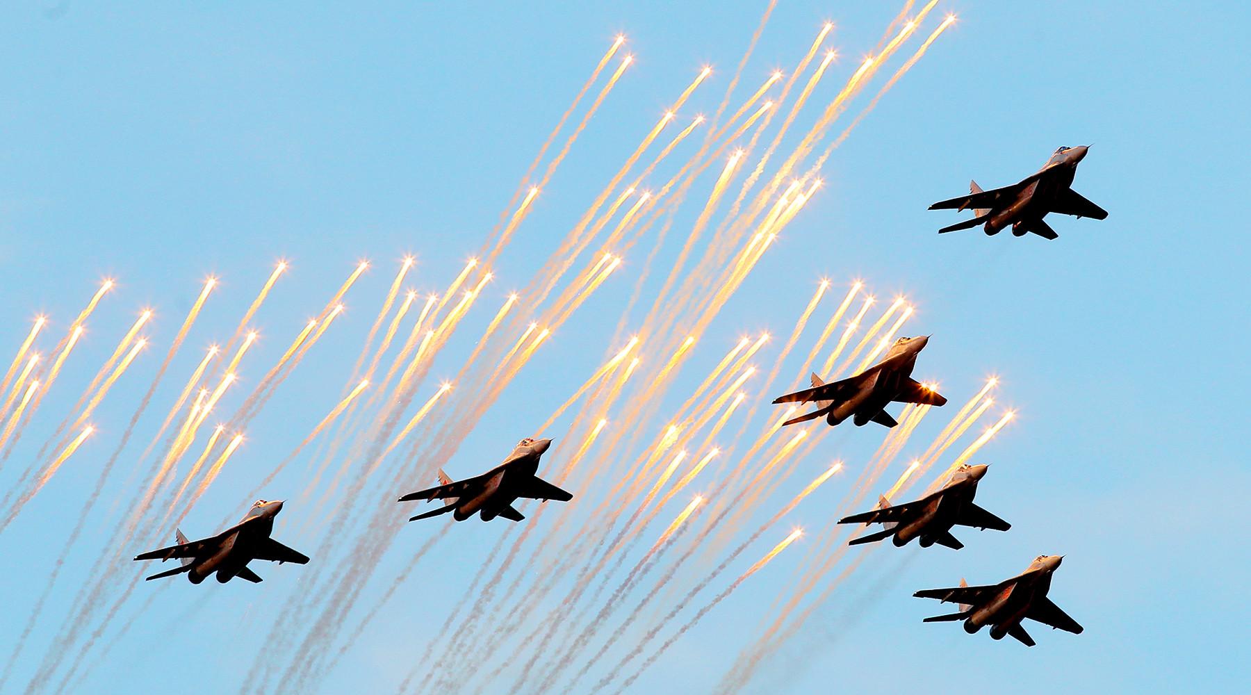 Открытка. День армейской авиации.  Поздравляю